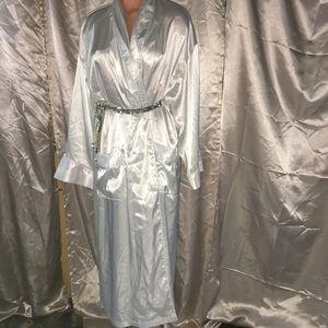 Victoria's Secret Silky Long Lounge bath Robe m/l